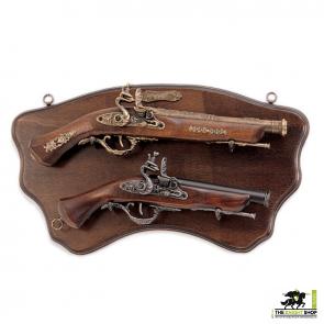 Display Plaque With 2 Pistols